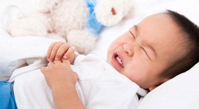 10 triệu chứng bệnh ở con nhỏ bố mẹ nên biết