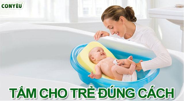 Cách tắm cho bé đúng cách mà mẹ nên biết
