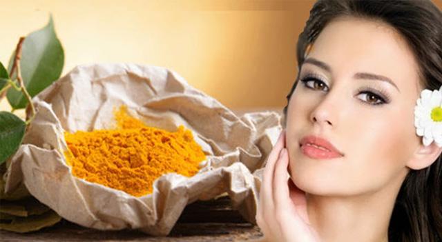 Sử dụng tinh bột nghệ làm mặt nạ có bị vàng da không?
