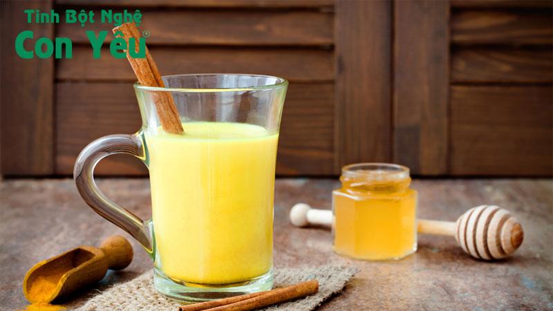 Uống nghệ với mật ong